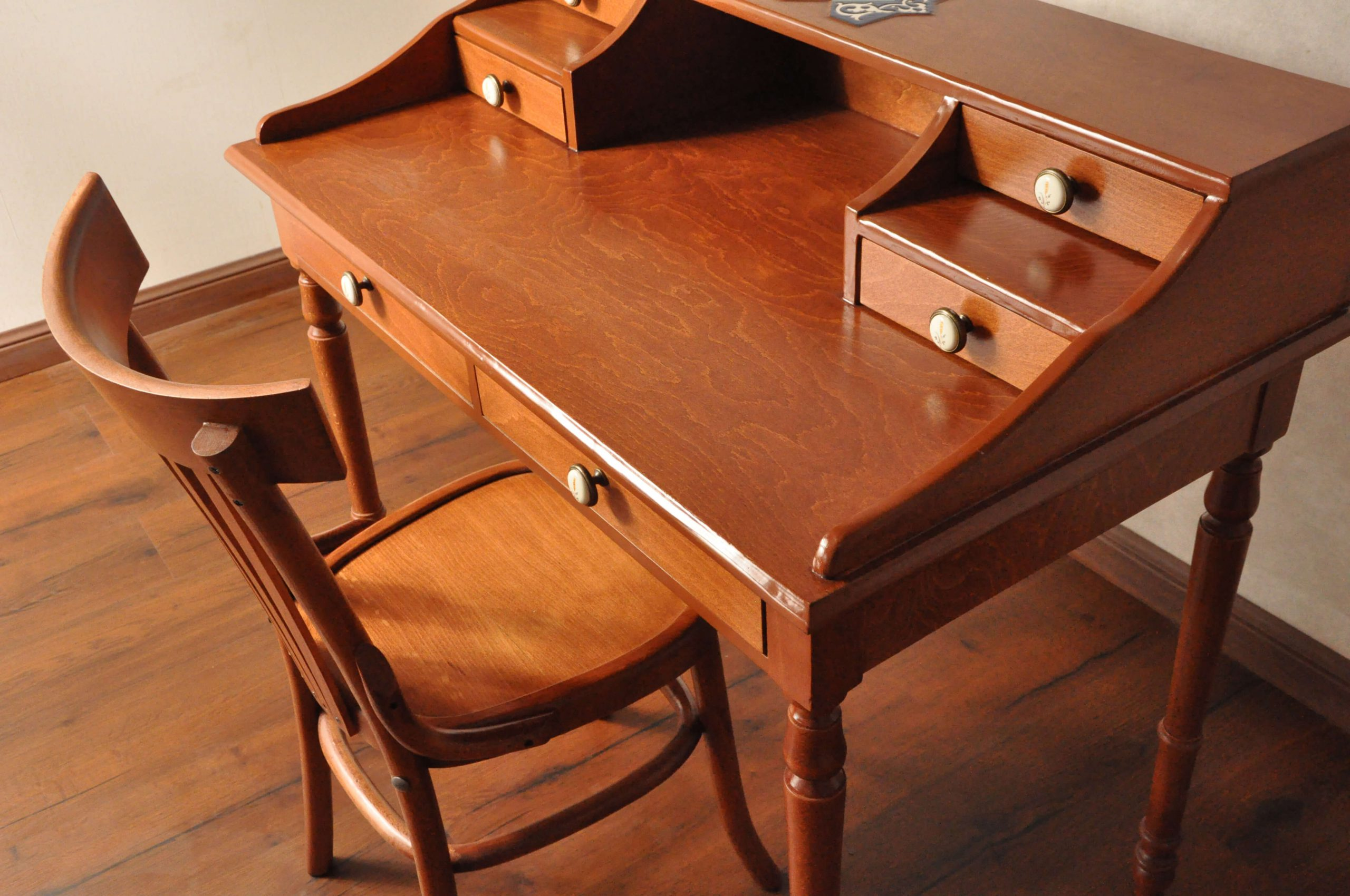 000 scaled - میز تحریر و صندلی طرح لهستانی -  - writing-desks