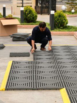 babel industrial tile flooing 9 268x358 - کفپوشهای پلاستیکی فضای باز تایل صنعتی