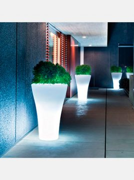 iranarchitects-light-big-flowerpot