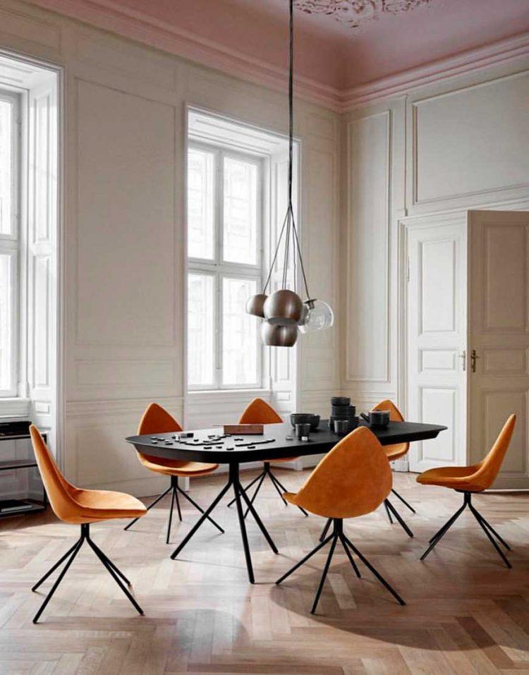 صندلی دیبا با پایه های فلزی استیل هامون