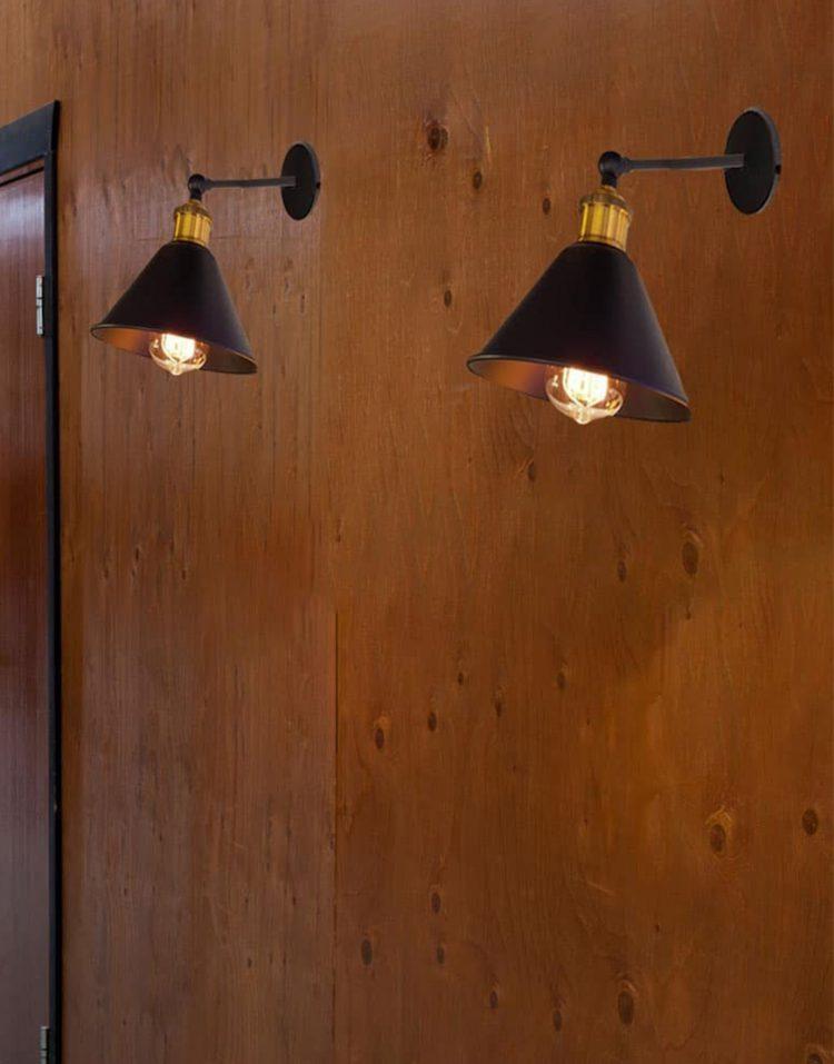چراغ دیواری قابل تنظیم مشکی طلایی