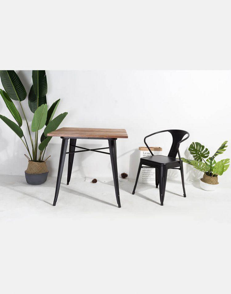 میز چهار نفره با صفحه چوب