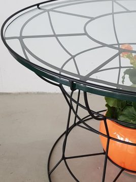 nahalsan Metal Geometric frame Roundtable 2 268x358 - میز جلو مبلی گرد با فریم هندسی فلزی
