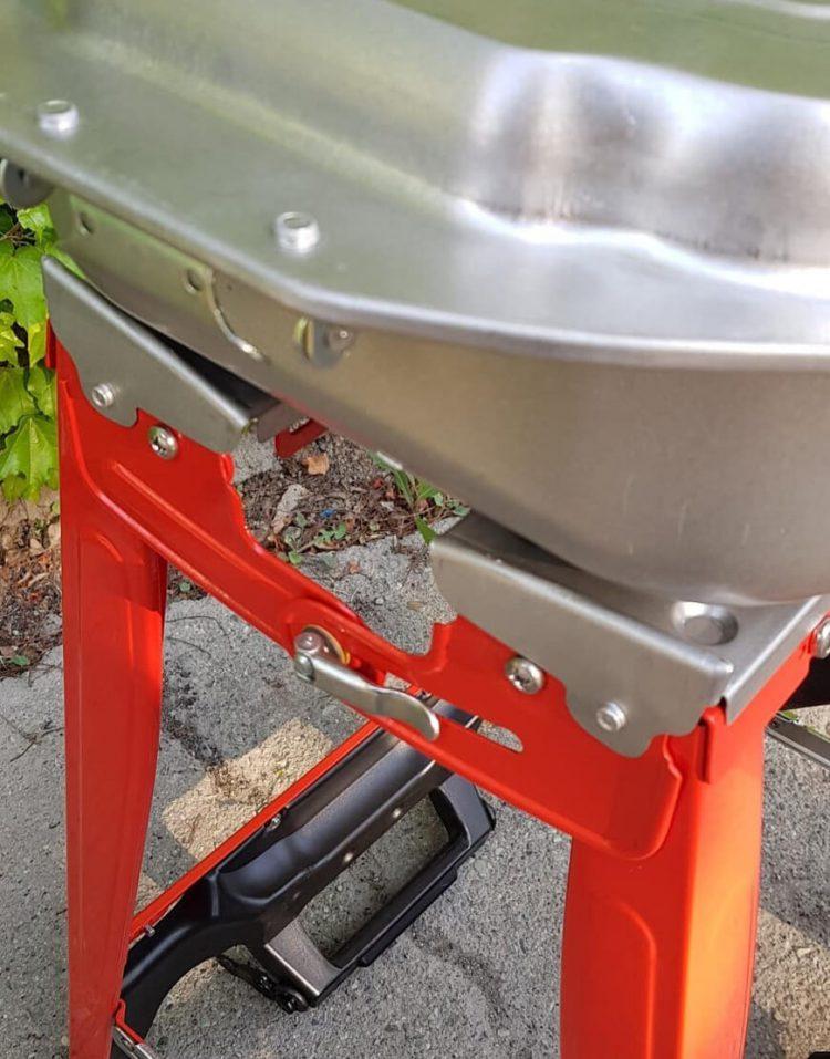 nahalsan folding steel coal bbq grill 8 750x957 - کباب پز زغالی تاشو نهالسان صادراتی