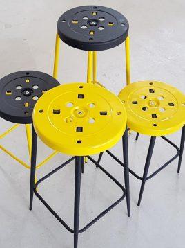 چهارپایه فلزی نهالسان مدل پلیکان ارتفاع ۷۰ سانتیمتر