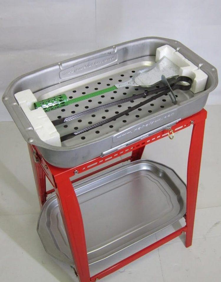 nahalsan steel coal bbq grill 750x957 - کباب پز زغالی نهالسان با میز