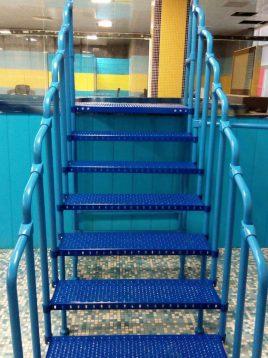 nahalsan straight stairs 2 268x358 - پله مستقیم فلزی با نرده نهالسان