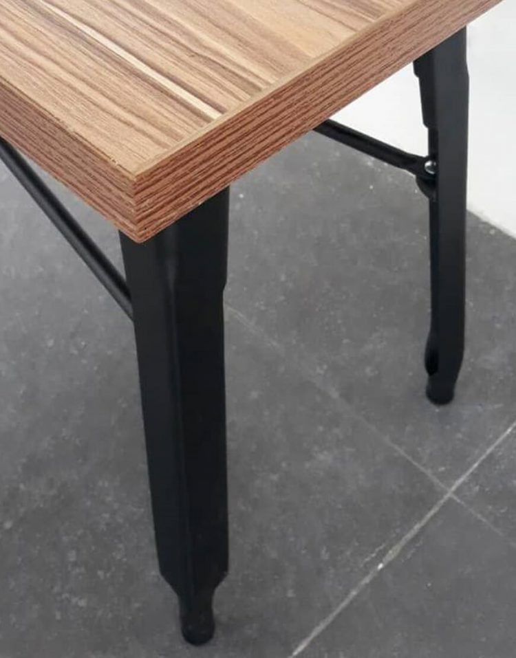 nahalsan triple metal bench 3 750x957 - نیمکت بدون پشتی فلزی سه نفره