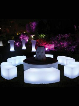 azinpolinoor-outdoor-club-chairs-Crescent-Box-model1