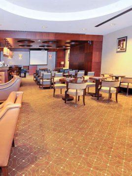موکت هتلی دارچینی با طرح هندسی بوژان کد ۳۳