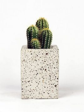 گلدان رومیزی مکعب سنگی بتنی دکوسیتی مدل DCO29