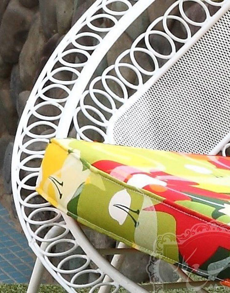 صندلی فضای باز گرد فلزی صنیع کار مدل شعاعی