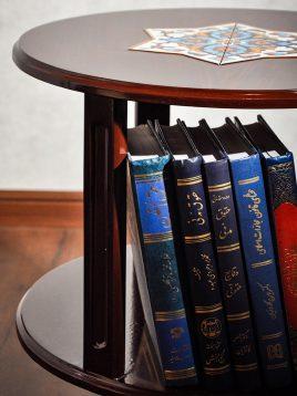کتابخانه کوچک چوبی هندسی مدل گرد