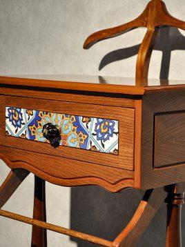 میز جالباسی چوبی هندسی مدل تک کشو