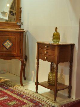 میز  آباژور سه کشو چوبی هندسی مدل خراطی