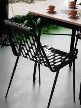 صندلی فلزی نسیم نهالسان مدل لوبیایی لبه دار